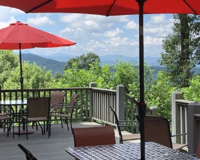 New!!!! Close to DT, Views- Vacations, Weddings & Special Events - Asheville