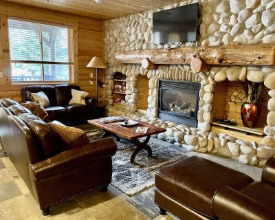 2 BR/3 BA Condo w/Private Deck & Jacuzzi - Just Steps to Lifts! - Park City