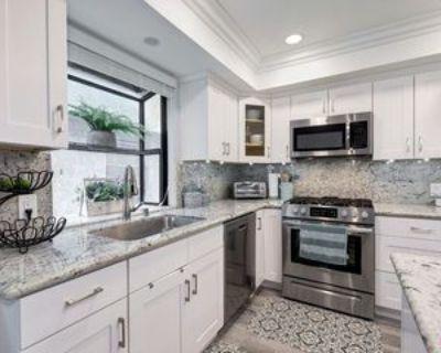 1221 N Sycamore Ave #5, Los Angeles, CA 90038 2 Bedroom Condo