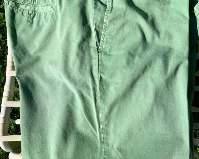 Mens Green Cotton Shorts (44/46)