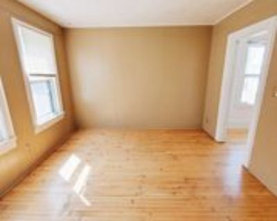 2967 N Weil St, Milwaukee, WI 53212 3 Bedroom Apartment
