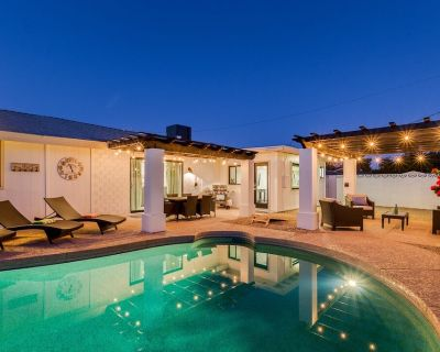 OLD TOWN + HOME + HEATED Private POOL + 4 Bed/ 2.5 Bath + NEW Remodel+ Game Room - Scottsdale Estates Seven