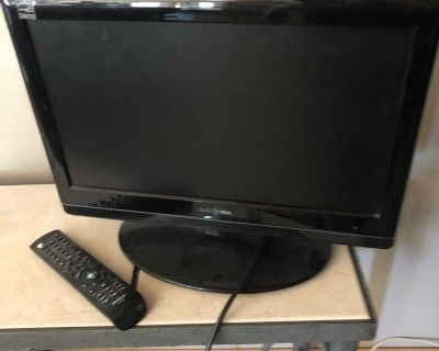 19 insignia tv and DVD player with remote