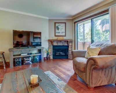 Mountain lodge with private balcony plus access to shared pool! - Gorgosa
