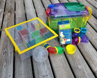 Hamster cage, maze, cage liners, food bowl, water bottle,ball and extra tubes $40 pick up in Bright's Grove