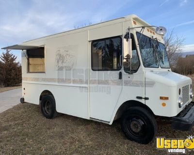 2003 GMC Workhorse Diesel 11' Empty Step Van/Step Van for Conversion