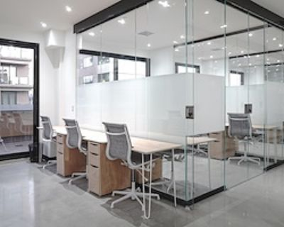 Team Office for 14 at neu.works @ Cherry Creek North