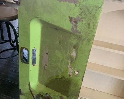 Third brake light engine lid