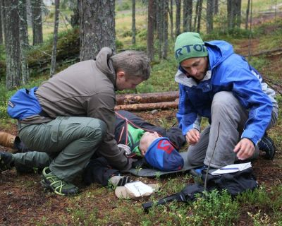 Wilderness First Responder Courses in Colorado