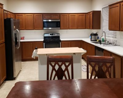 Private room with shared bathroom - Rosamond , CA 93560