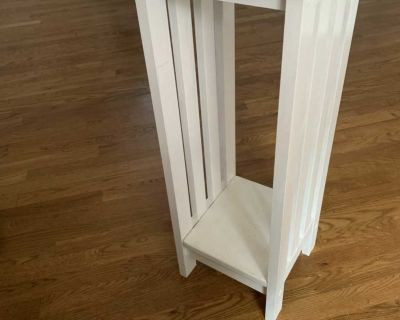 White solid wood accent table