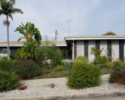 Suburban Midcentury Ranch, Los Angeles, CA
