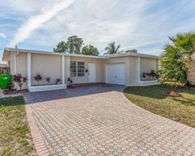8600 Nw 26th St, Sunrise, FL 33322 2 Bedroom House