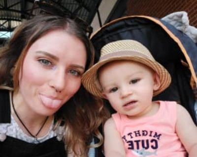Melissa, 26 years, Female - Looking in: Denver CO