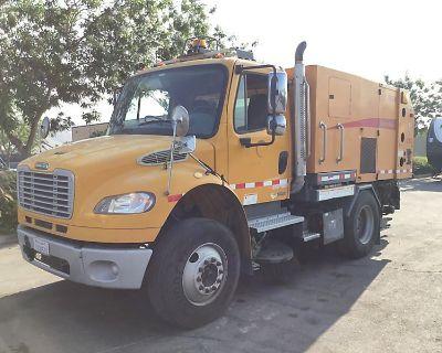 2010 FREIGHTLINER BUSINESS CLASS M2 106 Sweeper Trucks Truck