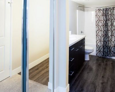 Furnished 2BR Apartments Short Walks to Santa Monica Beach