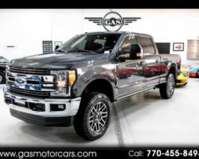 2017 Ford Super Duty F-250 Lariat Crew Cab 8' Bed 4WD