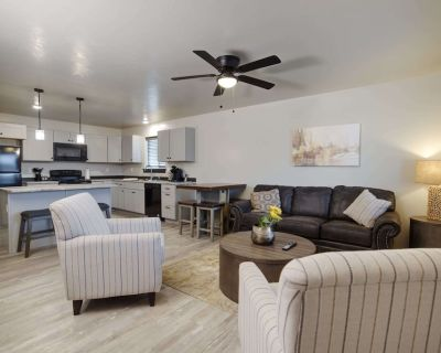 Copper King Extended Stay Collection - Double Bed Room - Butte