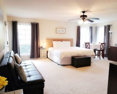 King Guest Suite - A TOGAR Vacation Rental - Deep Creek South