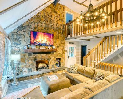 Modern House, Newly Renovated - Steps to Beach & Lake - Lake Ariel