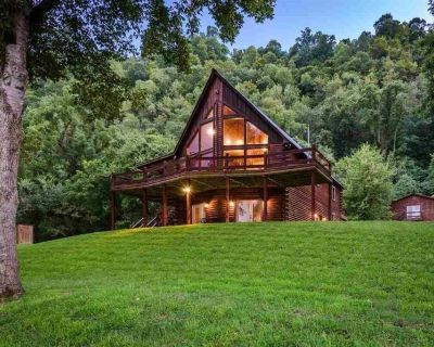 WHITE RIVER FRONT CABIN - SLEEPS 2-10 - Lone Rock