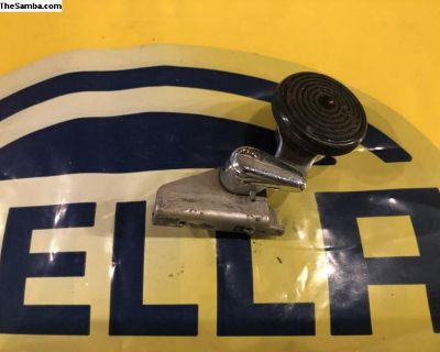 1968-1977 right vent wing window latch