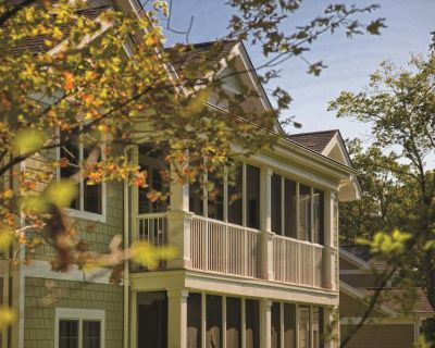 Shawnee on Delaware, PA: 2BR Resort Pool, Hike, Bike, Ski, Fish Near Attractions - East Stroudsburg