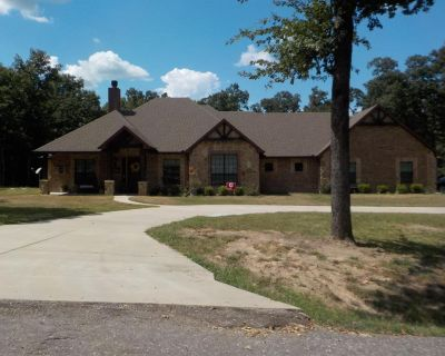243 Rs County Road 4269, Emory, TX 75440