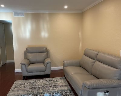 2 Bedroom Condo in the heart of Silicon Valley (Sunnyvale) - Snail