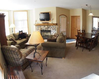 Multi level 3 bedroom condo with easy access to ski runs and view of Mt. Morrisey - Sun Peaks