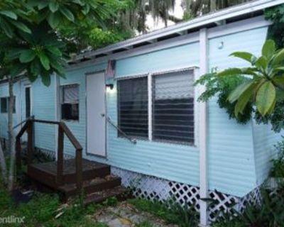 33 33 W. Northshore Ave. 4, Cape Coral, FL 33903 1 Bedroom Apartment