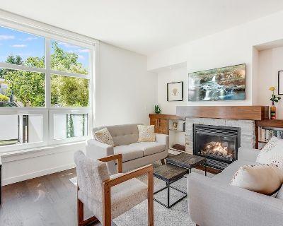 Cedar Hill Sunlit Stay - A Bright and Spacious Modern Home - Gordon Head