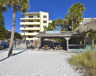 Stay On Siesta Key Beach - No Shoes Required! Close to Dining, Shopping & More! Relax at Sea Shell C - Siesta Key