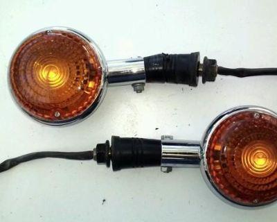1986 Yamaha Xv 700 Virago Set Of Rear Turn Signals / Damaged