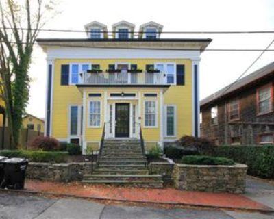75 Pelham St #C, Newport, RI 02840 2 Bedroom Apartment