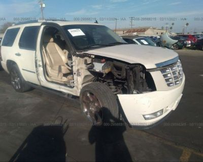 Salvage 2008 Cadillac Escalade