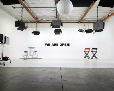 Amazing Fully Lit White Cyclorama 3-Wall - Film, Video & Photo Studio - Lights Included!, Glendale, CA