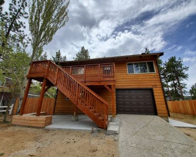 Rustic Cabin Close to Lake and Village Activities! - Big Bear Lake