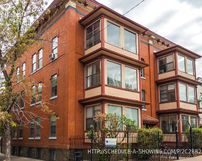 Gorgeous 3BR Apartment in Capitol Hill with HARDWOOD FLOORS and SUN ROOM!