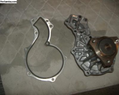 VW Rabbit water pump 40 mm hub 056 121 005 A