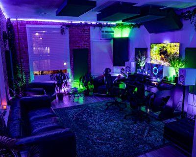 LA Spacious Recording Studio with Natural Plants/Brick theme, Los Angeles, CA