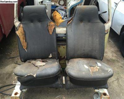 1968-9 Front seats type 3 black set