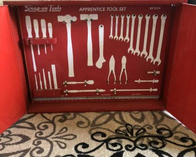 Snap-on tool cabinet