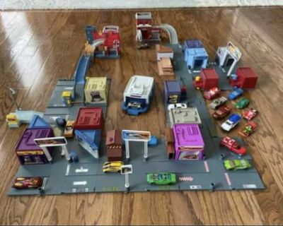 Matchbox/Hot Wheels Adventure Links City playsets with 16 cars