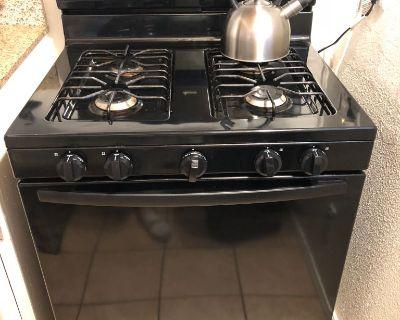 Black Gas Stove/Oven