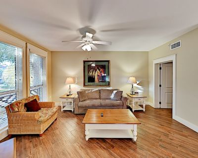 Pilot House Getaway   Pool, Hot Tub & Fitness Center   Steps to Shops, Dining - Baytowne Wharf
