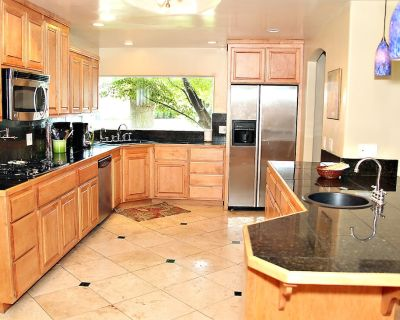 Designer Home Nestled In Redwood Trees With Huge Backyard next to Bidwell Park - Chico