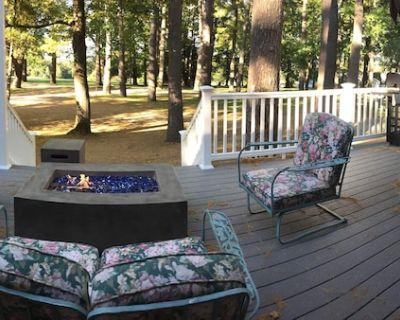 Luxury Fox Hollow Estate Ranch, Laurel Lake, Hot Tub, Tennis, Grill! - Berkshire County