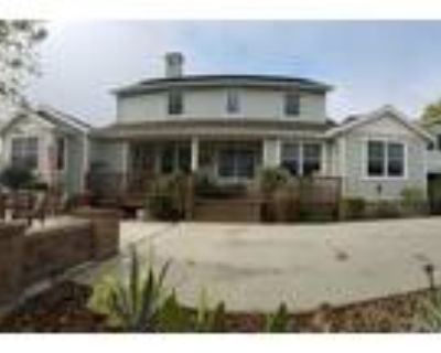 """Paso Robles 5BR 5BA, Experience """"Lake Lifestyle"""" in this"""