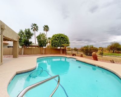 Colorful & spacious home w/private outdoor pool, gas grill, pool table & more! - Red Mountain Ranch